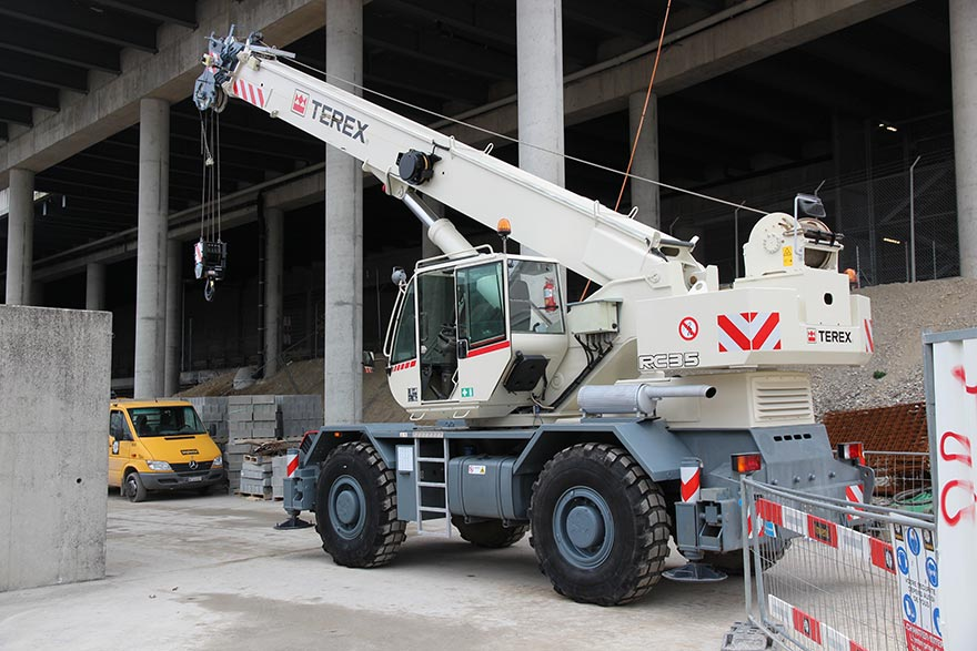 [Translate to Französisch:] Consensa Rental AG – Mobilkran Terex RC 35